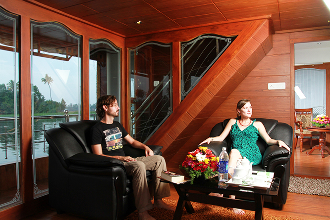 honeymoon houseboat